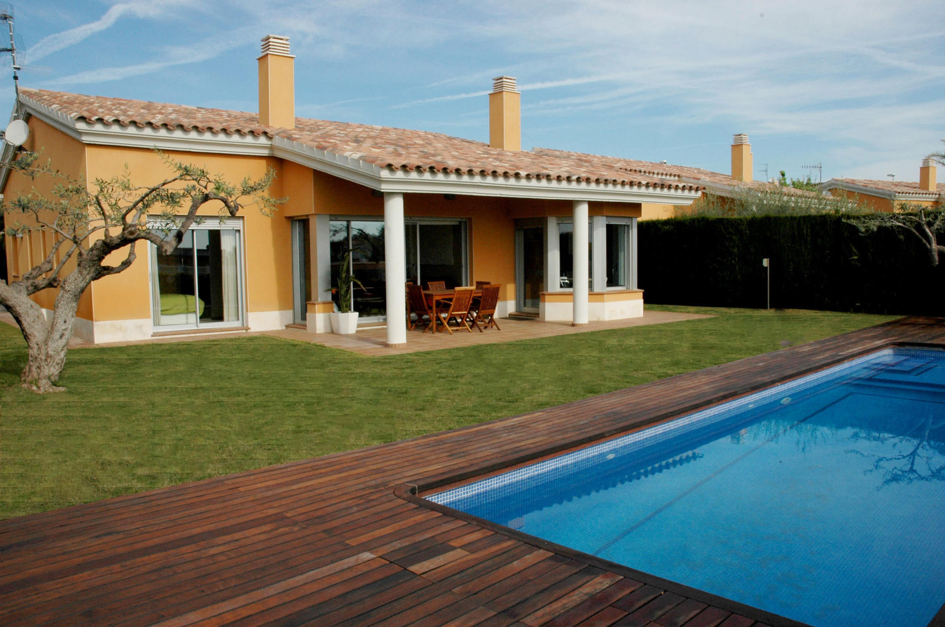 Chalet -                                       L´ampolla -                                       4 bedrooms -                                       8 persons